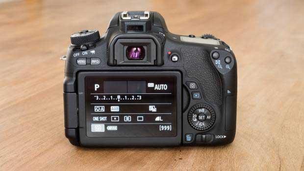 دوربین عکاسی کانن 760 دی