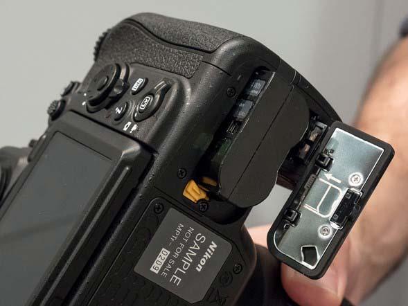 مشخصات د.ربین دیجیتال D500