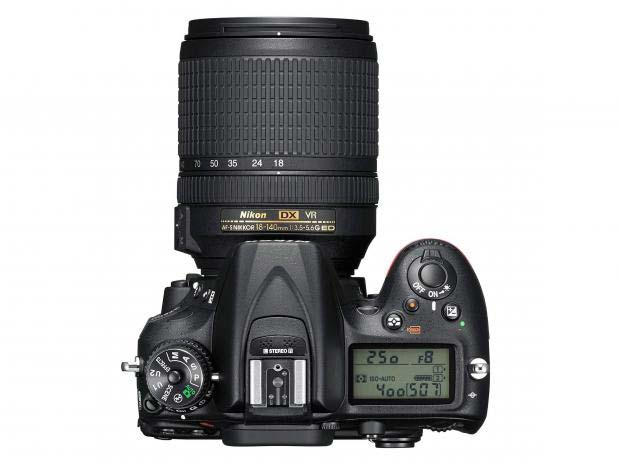 دوربین عکاسی نیکون D7200 با لنز 18-140 VR